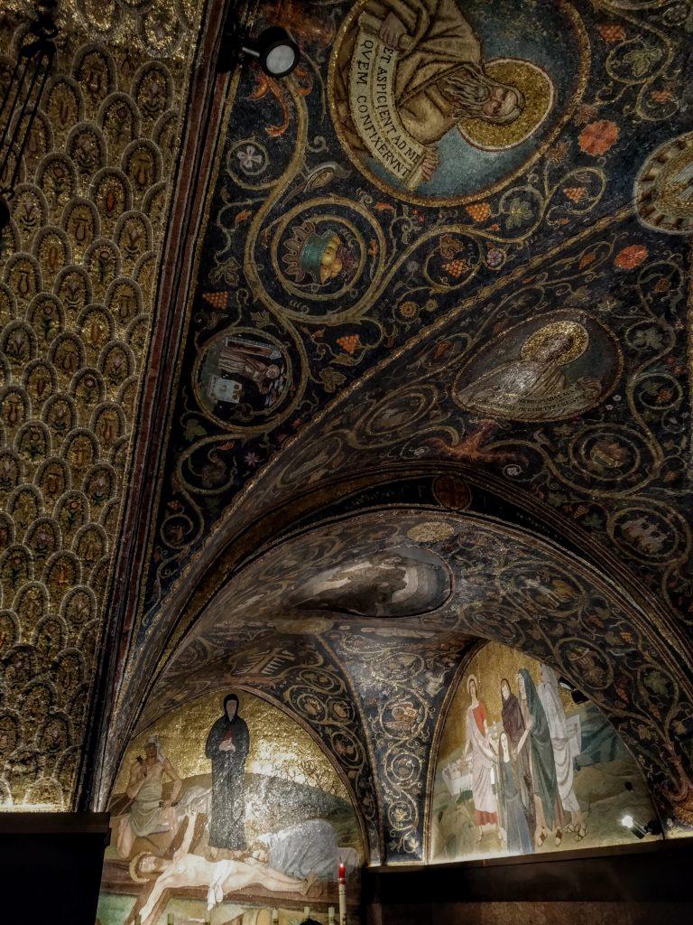 Soffitto all'interno del Santo Sepolcro